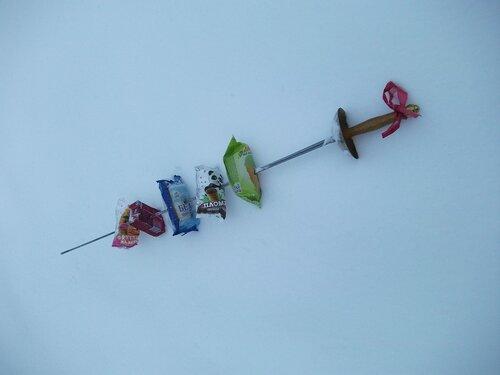 Шашлык жарится в снегу