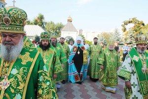 Preasfințitul Marchel a participat la slujba praznicală cu prilejul jubileului celor 50 de ani de la naștere a arhimandritului Nicolae Roșca