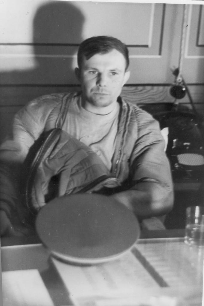 Юрий Гагарин после первого в истории человечества полёта в космос. Первые часы.