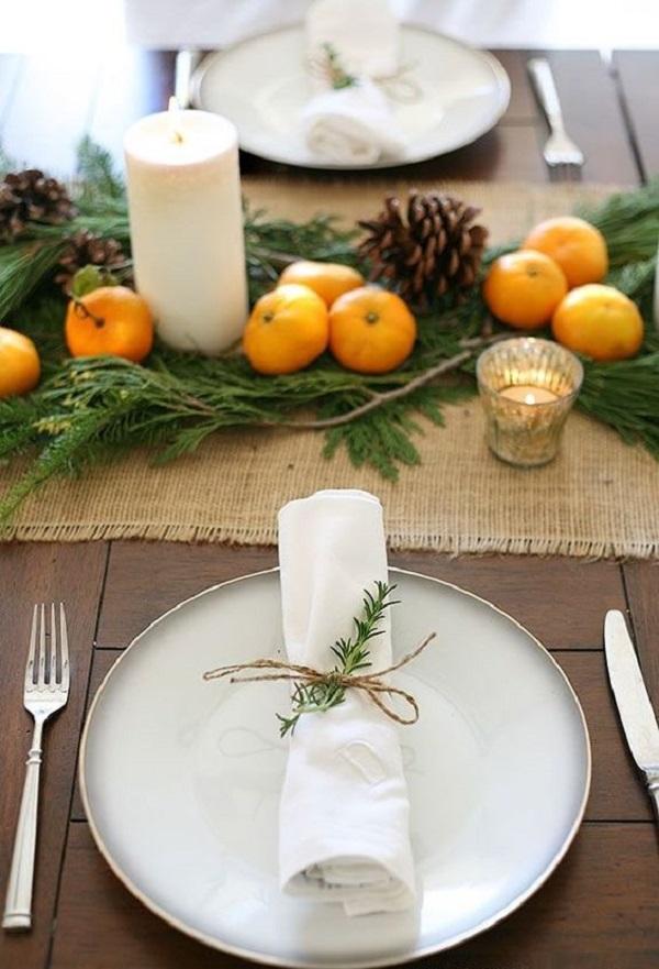 При переутомлении и бессоннице  Нарежьте мелко свежую кожуру мандарина, положите в пакет ряд