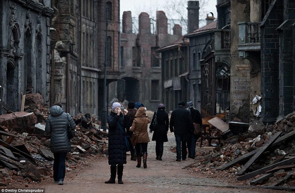 Туристы могут посетить московскую студию и погрузиться в жуткую атмосферу Второй мировой войны.