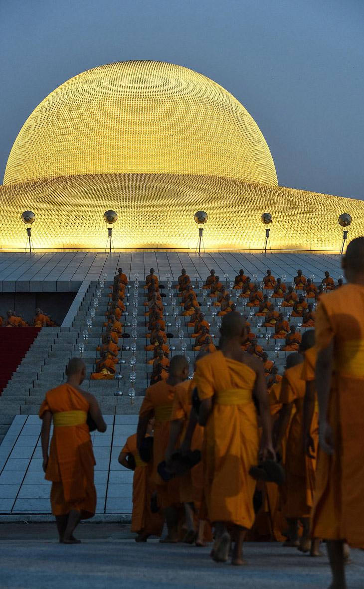2. Его строительство началось в 1970 году и завершилось в 1985 году. Это один из крупнейших храмов Т
