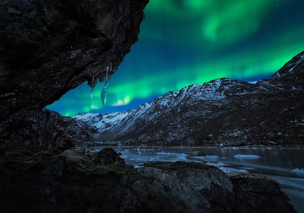 Помимо пещер, имеющих выход на поверхность и доступных для непосредственного изучения человеком