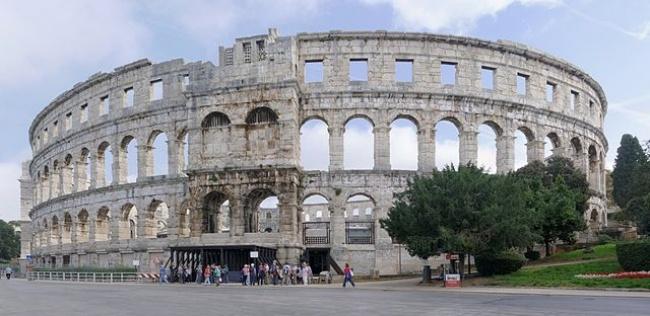 © wikimedia  Одной изсамых известных достопримечательностей Италии является римский Колизей.