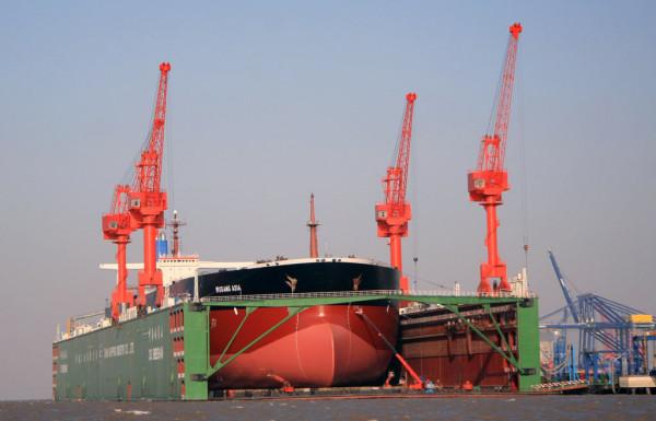 ВЮжной Корее в итоге падения портового крана погибли шесть человек
