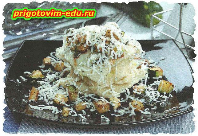 Пельмени с цуккини и сыром дор блю