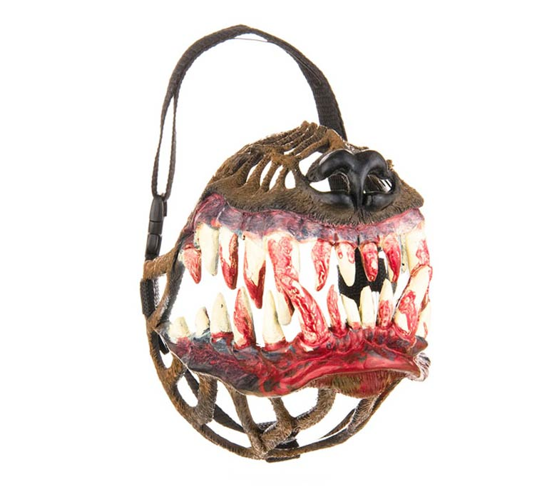 WTF of the day - A strange muzzle to turn your dog into a frightening zombie
