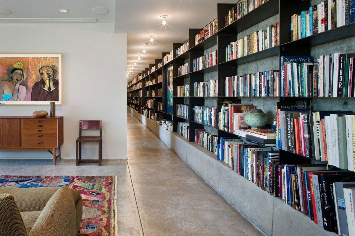 стеллаж для книг в частном доме