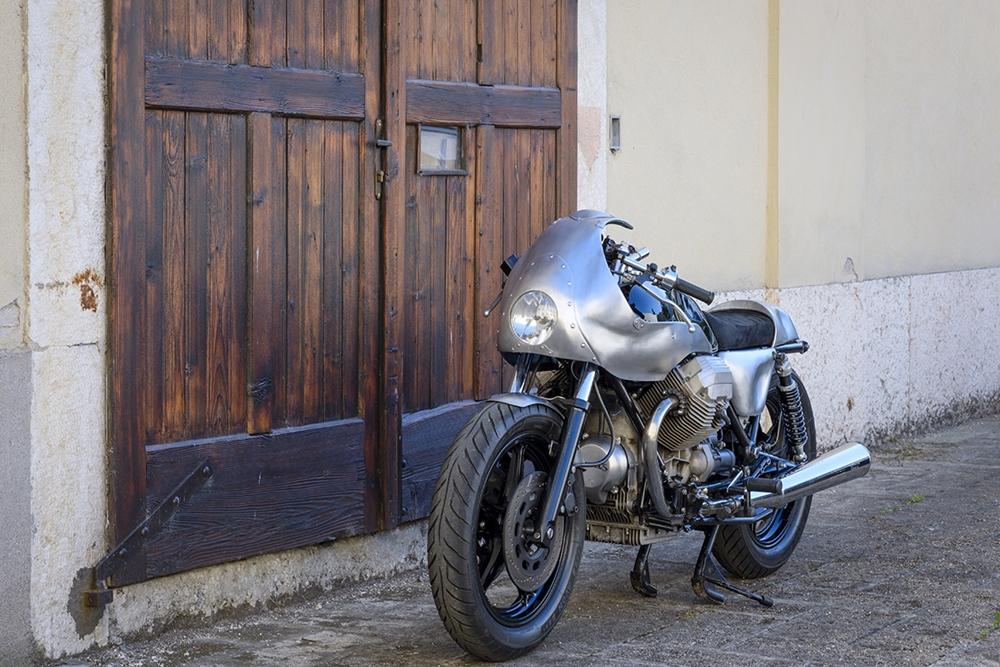 Мирко Товацци: кафе рейсер Moto Guzzi 850T5 Nautilus