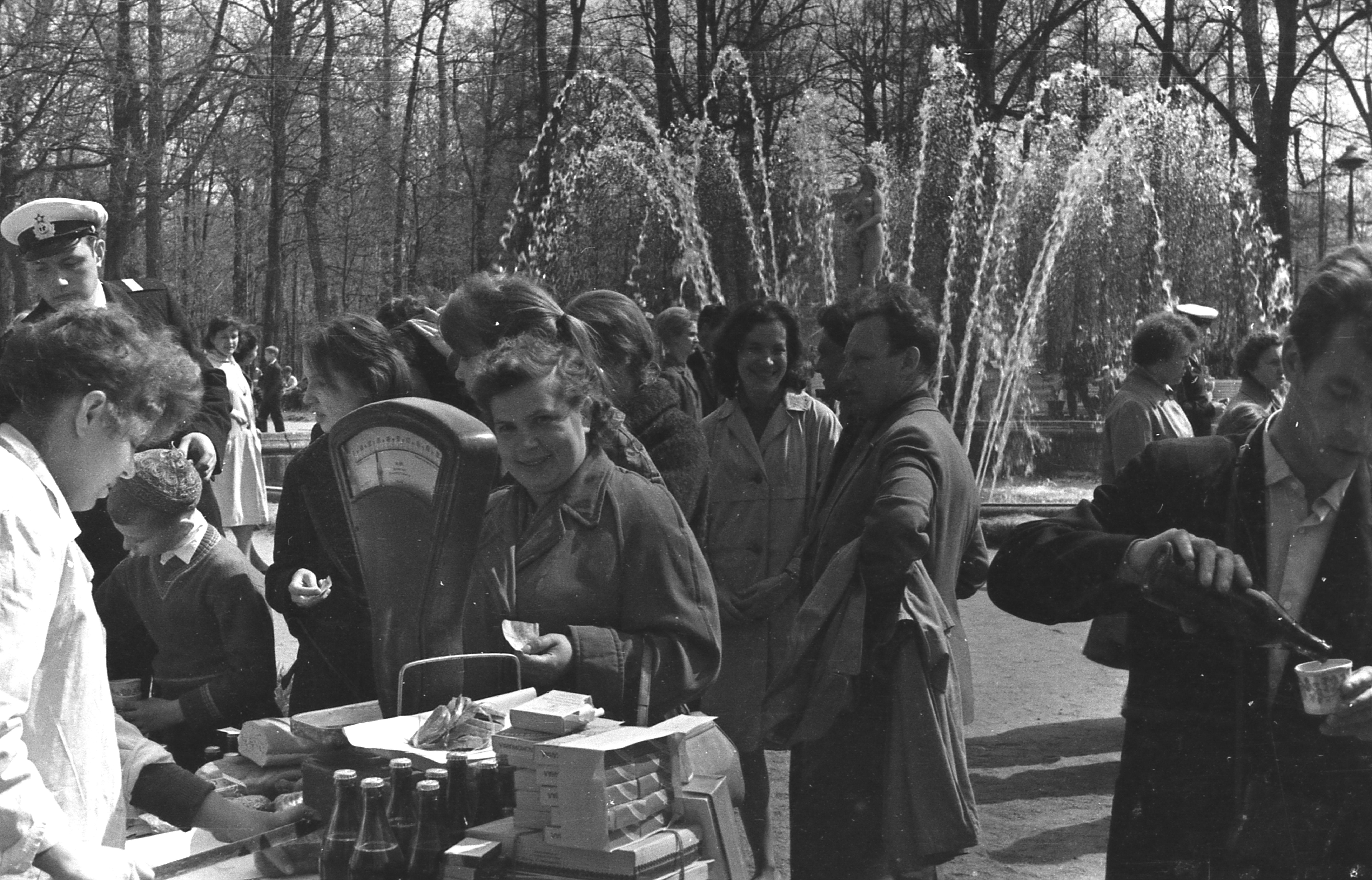 1960-е. У фонтана «Ева»