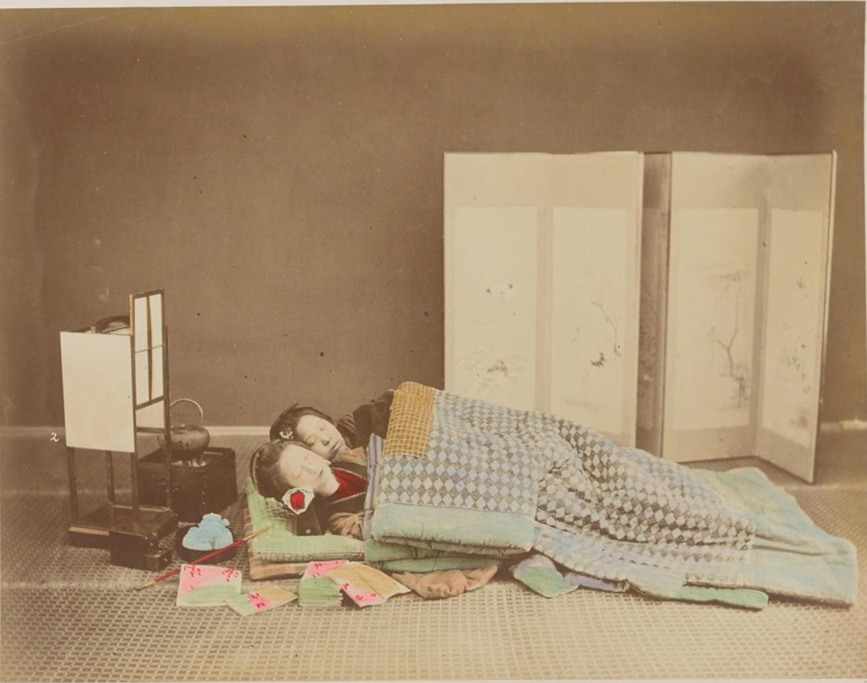 Спящие женщины