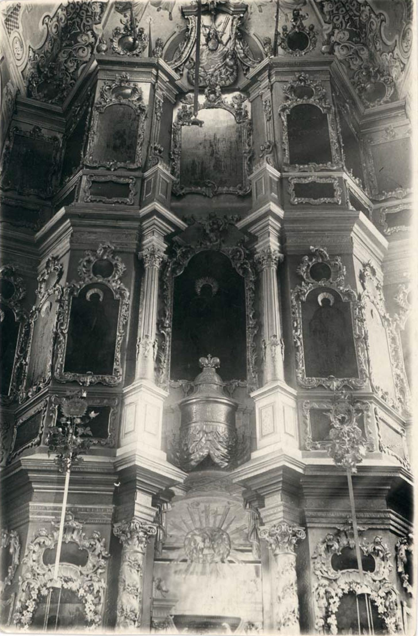 Никитская (Предтеченская) церковь 1765 г. Иконостас главной, Предтеченской, церкви (верхняя часть)