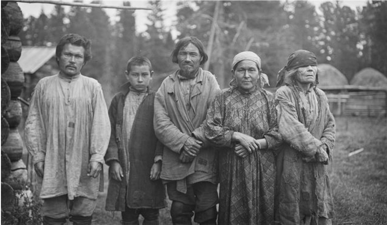 Группа самоедов. Егор, Василий и Иван Васильевы, Мария и слепая бабушка Аграфена