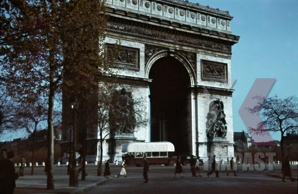 stock-photo-arc-de-triomphe-in-paris-france-1940-10977.jpg