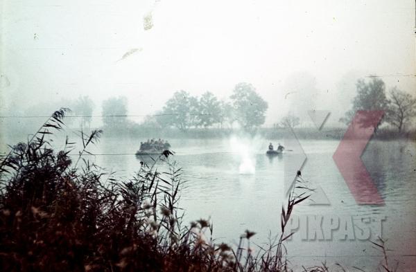 stock-photo-boats-bomb-maschine-gun-fire-france-river-1940-attack-wehrmacht-9484.jpg