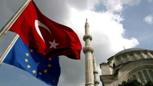 Канцлер Австрии: Турция небудет членомЕС никогда