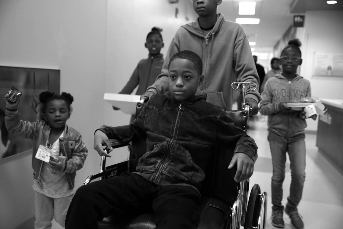 Тэйвон — один из 24 детей младше 12 лет, раненных в 2016 году в Чикаго во время перестрелок.