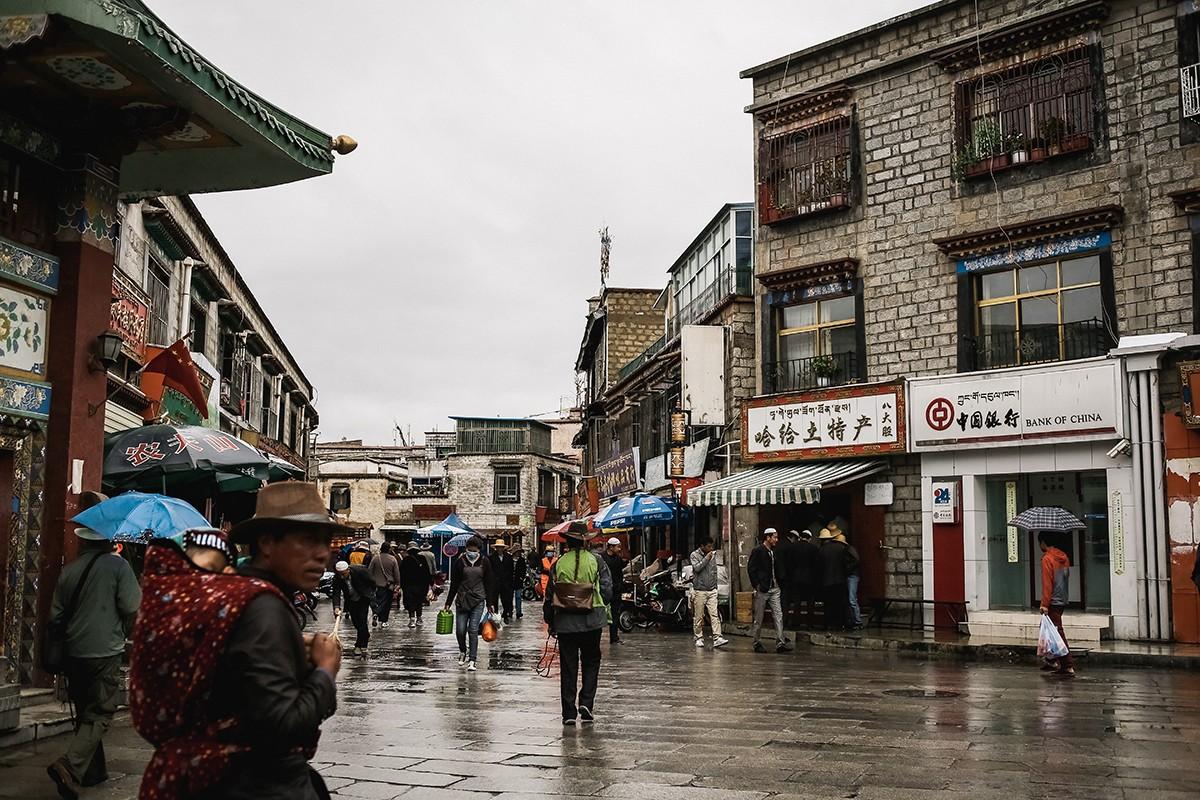 7. На следующее утро, несмотря на дождь (впервые за всю поездку), мы отправились на экскурсию.