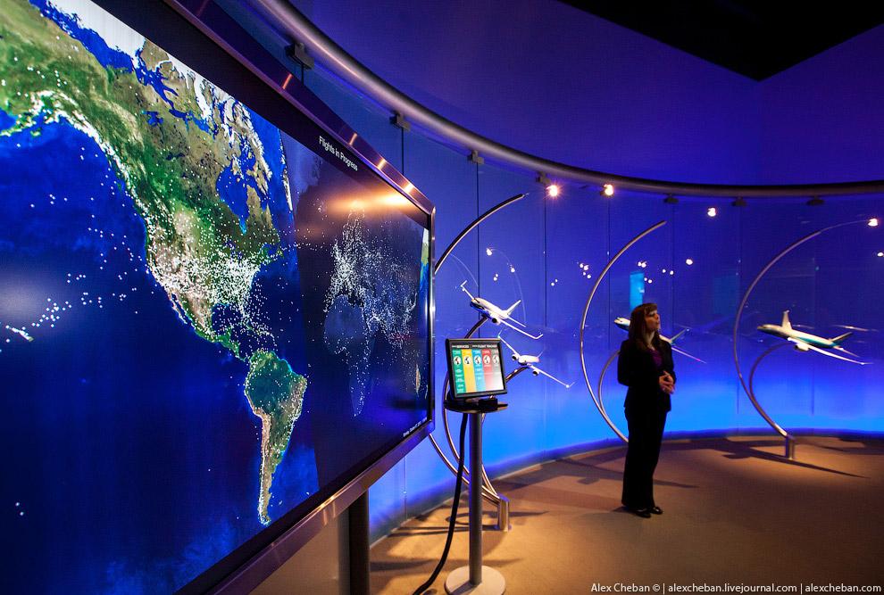Каждую секунду в небе в мире в воздухе находятся более 1700 Боингов-737! Монитор «живой», можно