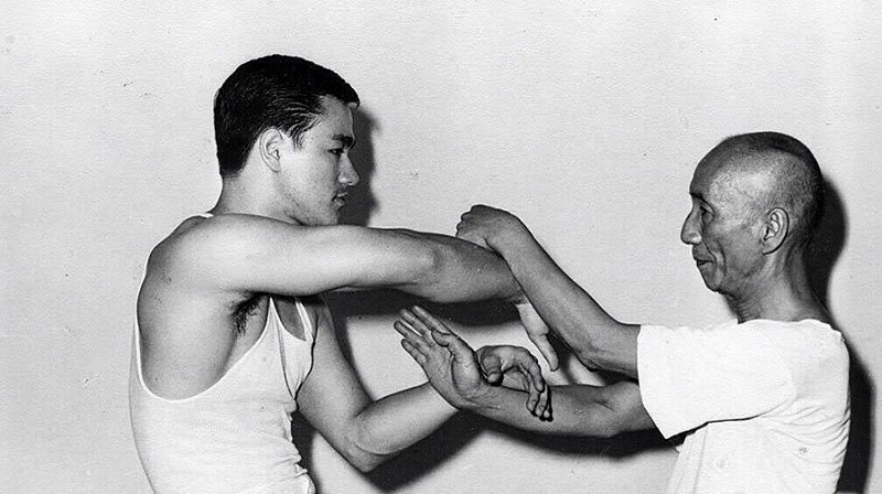 Кунг-фу — лучшее боевое искусство. Хоть в США процветают дзюдо и каратэ, они всего лишь производные