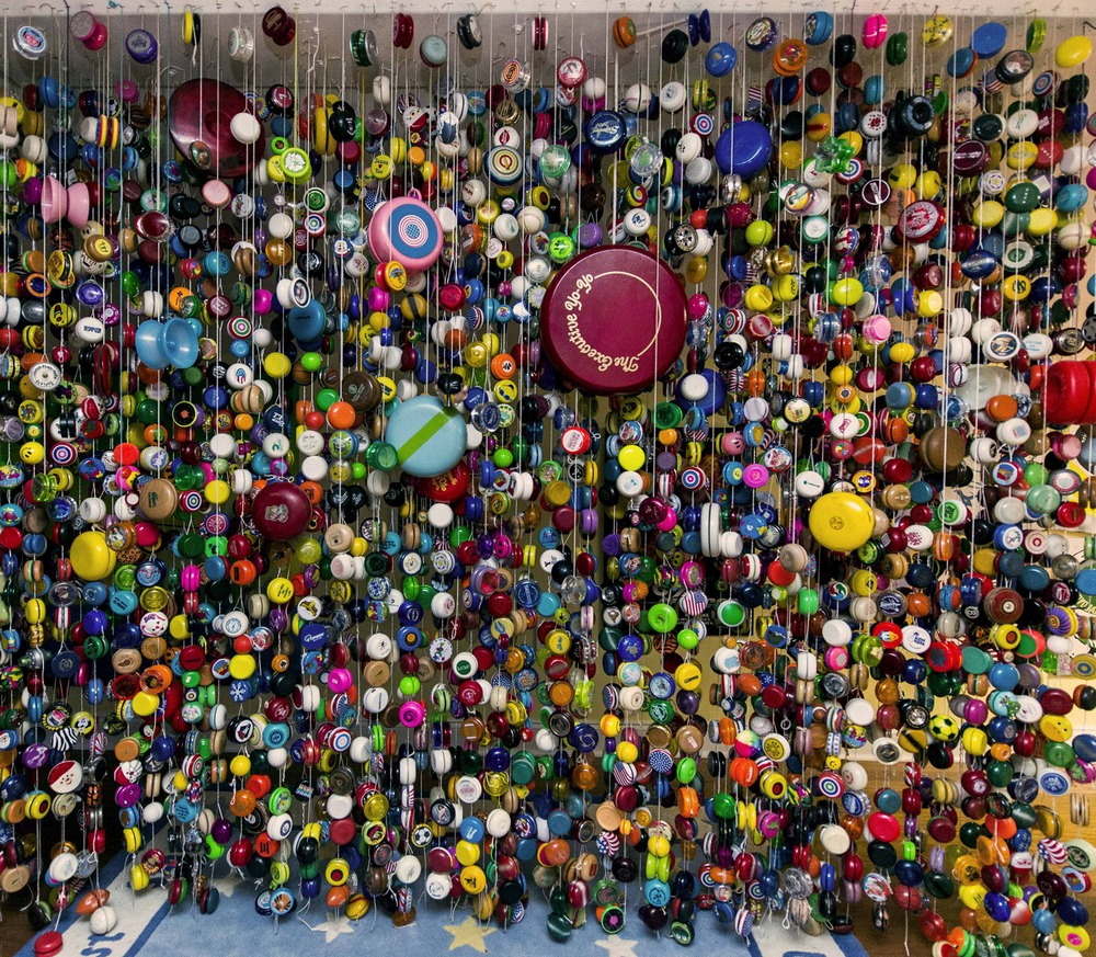 Кто сказал, что куклы только для девочек? Цзянь Ян (Jian Yang) из Сингапура собрал 6000 кукол Барби