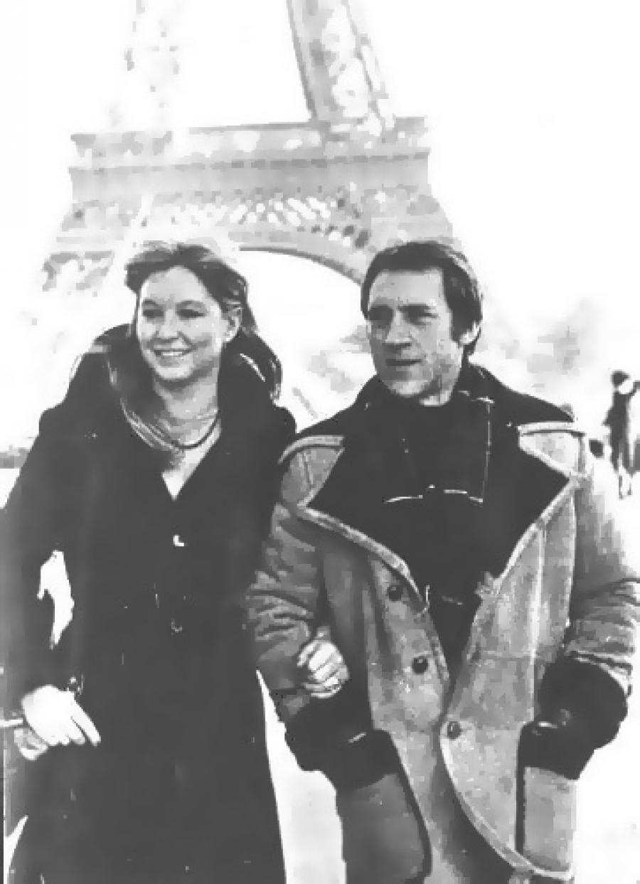 Только через шесть лет после свадьбы Высоцкому все же дали разрешение на выезд за границу. Марине Вл
