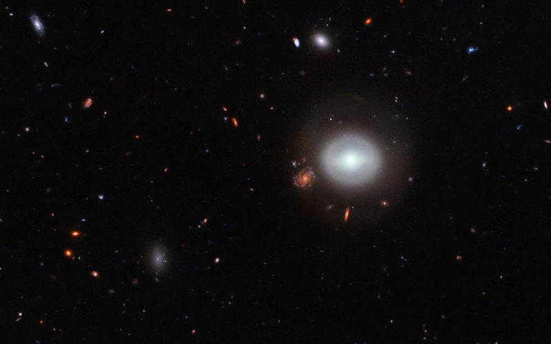 Открыта новая галактика нарасстоянии в359 млн световых лет отЗемли