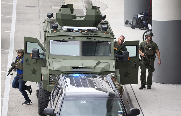 Подозреваемый встрельбе воФлориде утверждал , что его разум контролирует агентура  США