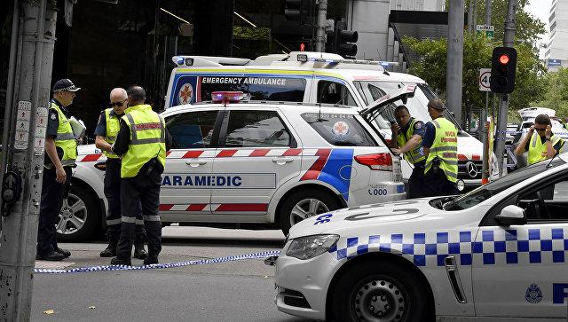 Трое погибших, 20 раненых в итоге наезда машины натолпу— Австралия