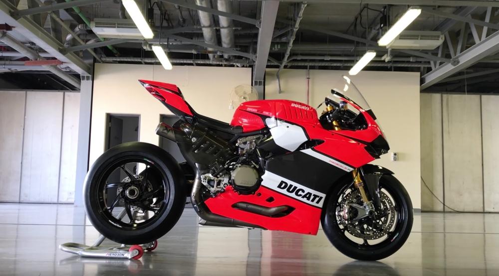 Фабричный супербайк Ducati Corse WSBK 1199 Panigale F16 (видео)