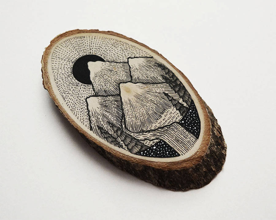 Wood Slices Decorated with Paintings and Illustrations (8 pics)