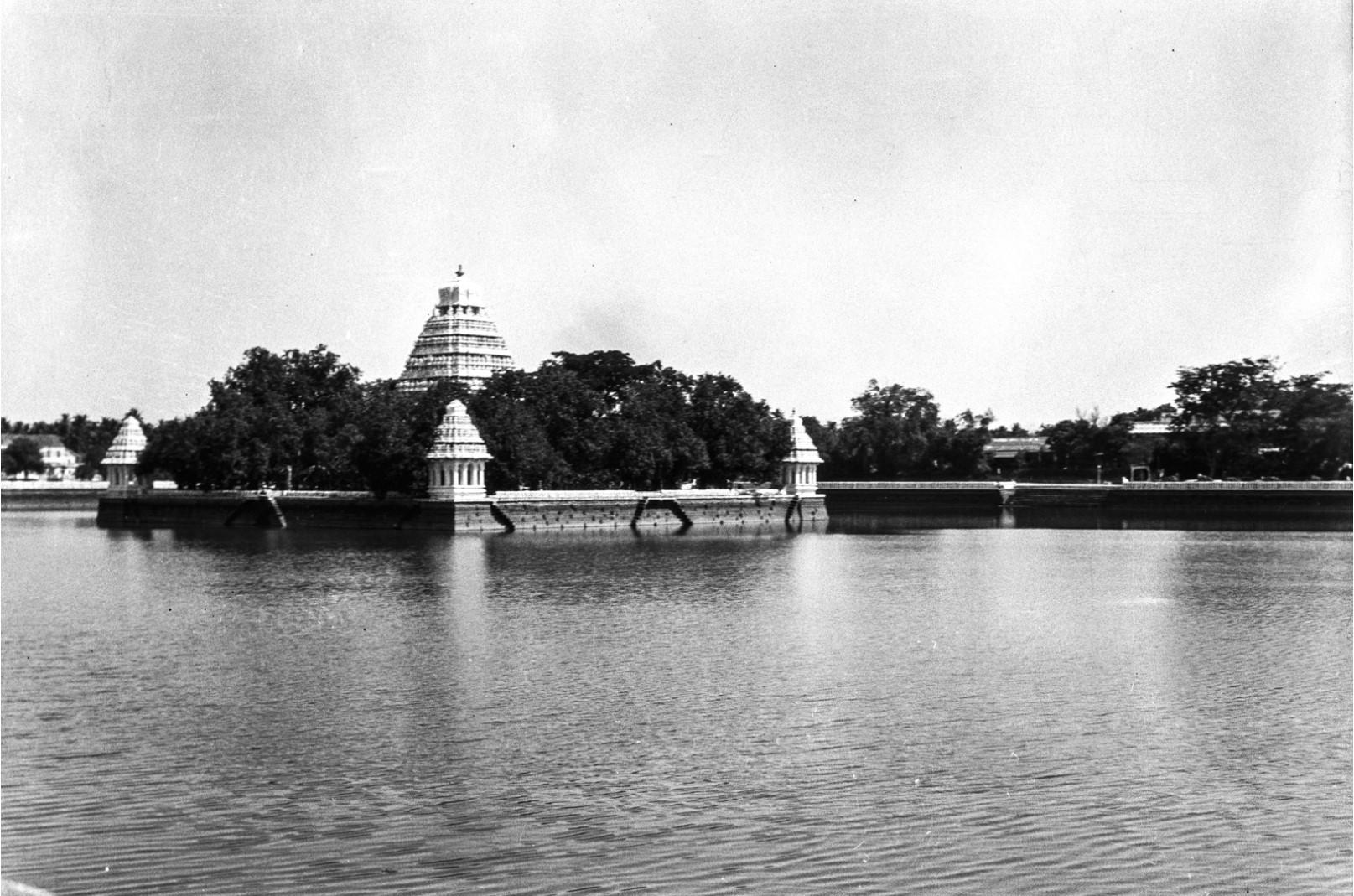 453. Тирумала. Вид на индуистский храм Тирумалы Венкатешвары