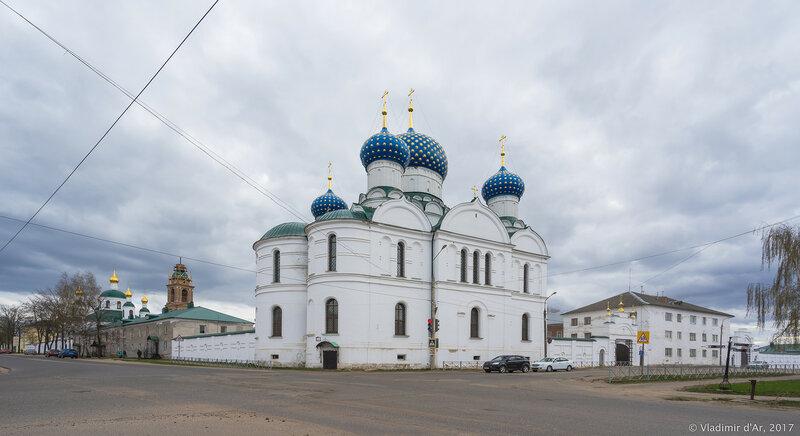 Углич. Богоявленский монастырь.