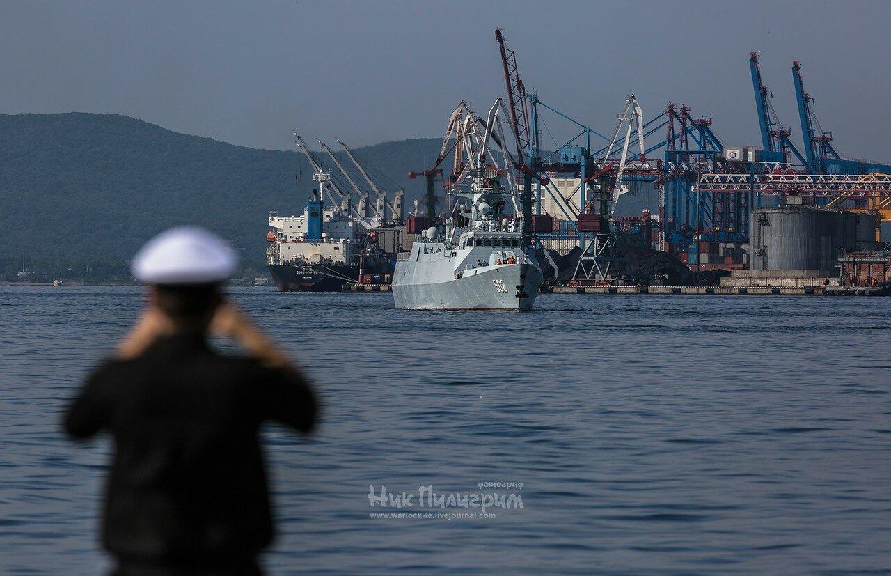 Корвет ВМС НОАК «Хуанши» во Владивостоке