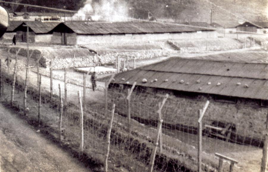 koje-do_prison_camp_mess hall_distance.jpg