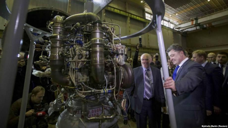 Порошенко приглашает в Украину авторов статьи о поставках двигателей ракет в КНДР