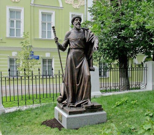 Скульптура Иоанна IV (Грозного) в Москве