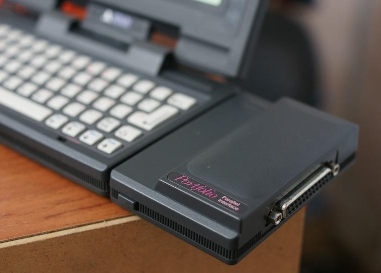 10. К Atari Portfolio можно было подключить принтер через слот расширения.