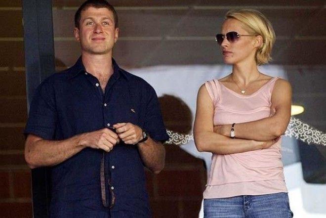 В 2007 году Роман Абрамович развелся со своей тогдашней супругой Ириной Маландиной, с которой пробыл