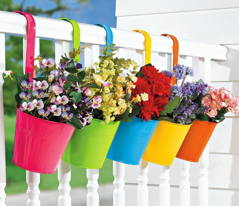 20. Красивые цветочные горшки для балкона