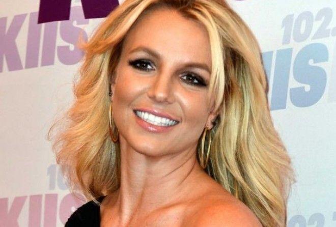 Бритни Спирс рискнула показать лицо без макияжа (5 фото)