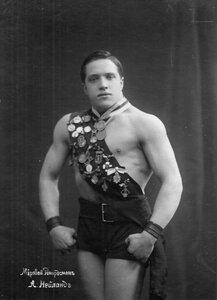 Портрет борца, мирового рекордсмена, участника чемпионата А.Нейланда