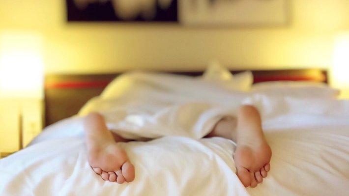 Ученые утверждают, что спать иходить голышом необыкновенно полезно