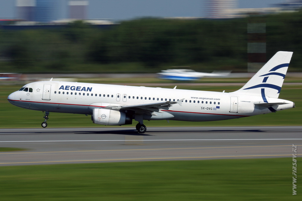 A-320_SX-DVG_Aegean_Airlines_4_LED_.JPG