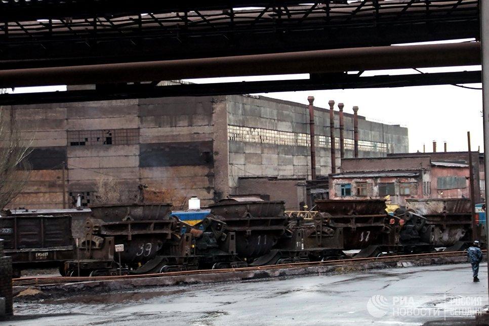 20170702_13-35-В Киеве генерала Ватутина поменяли на эсэсовца Шухевича-pic4