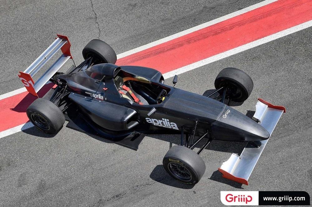 Гоночный автомобиль Griip G1 с мотором Aprilia RSV4