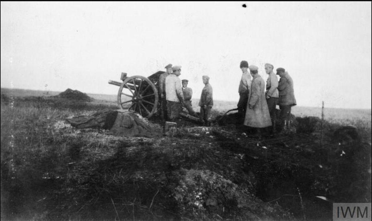 Артиллеристы I Донского корпуса, вооруженные 18-фунтовым артиллерийским орудием британского производства, ноябрь 1919