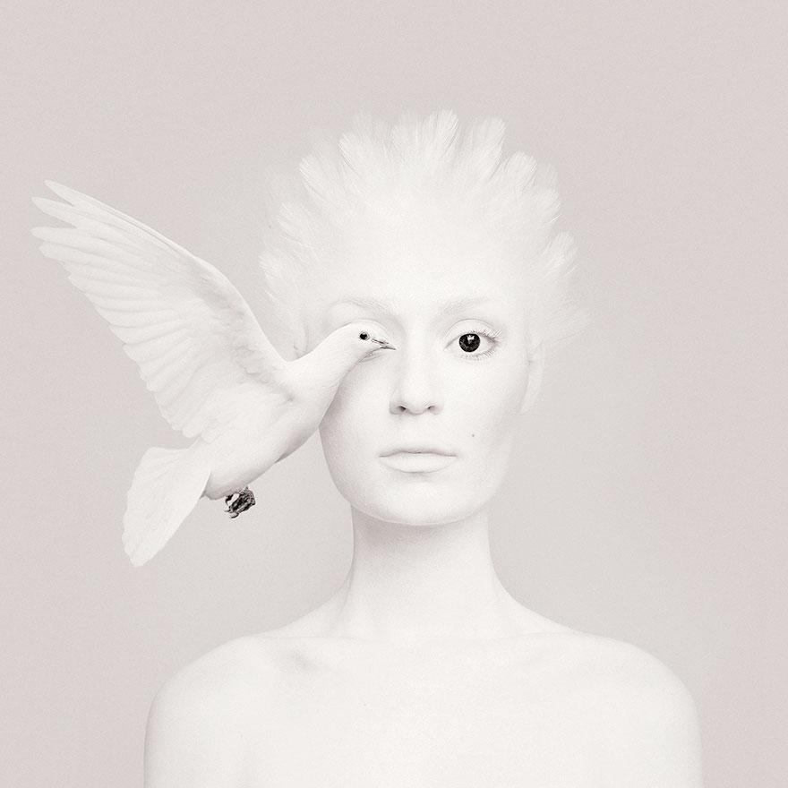 Автопортреты с глазами животных от Флоры Борси