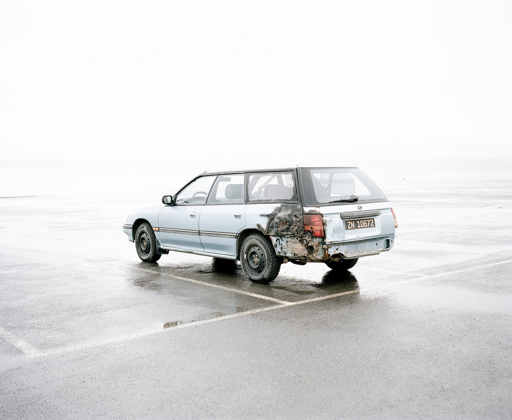 «Это ненастоящая жизнь»: фотопроект о самом северном городе в мире, где запрещено умирать (16 фото)