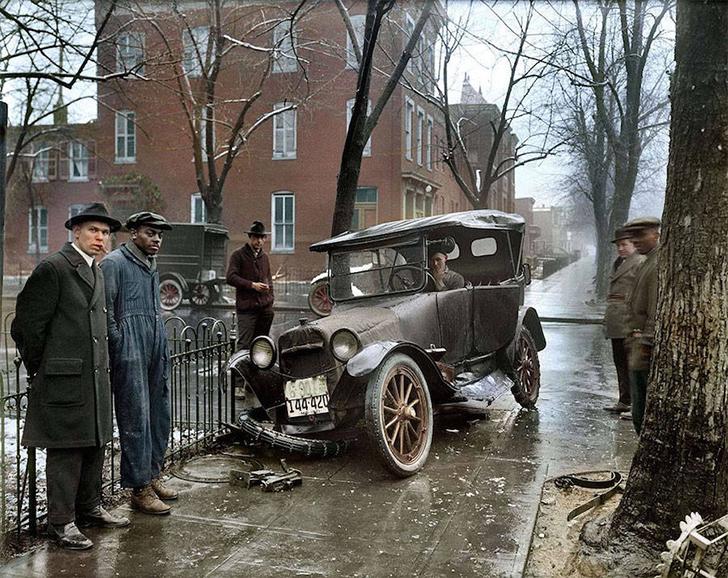 Автомобильная авария в Вашингтоне, 1921 год.